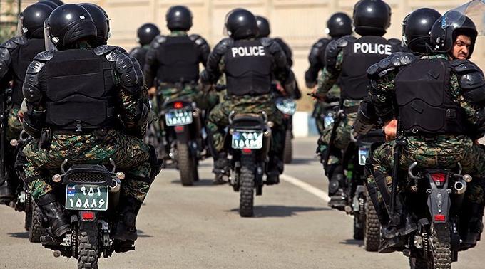 בלוצ'ים איראנים מתעמתים עם כוחות המשטר בכביש הראשי בעיר סרבאז, ביום ש' 30.11.2019 התמונה: בי בי סי בפרסית