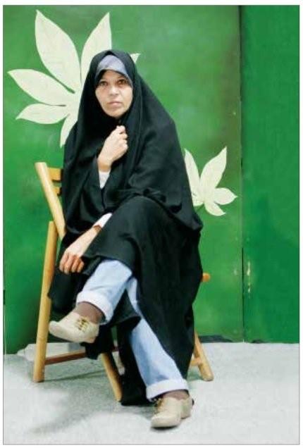 בתו של רפסנג'אני קראה בגלוי לח'אמנאי להתפטר כדי למנוע את ההתפוררות הוודאית של איראן