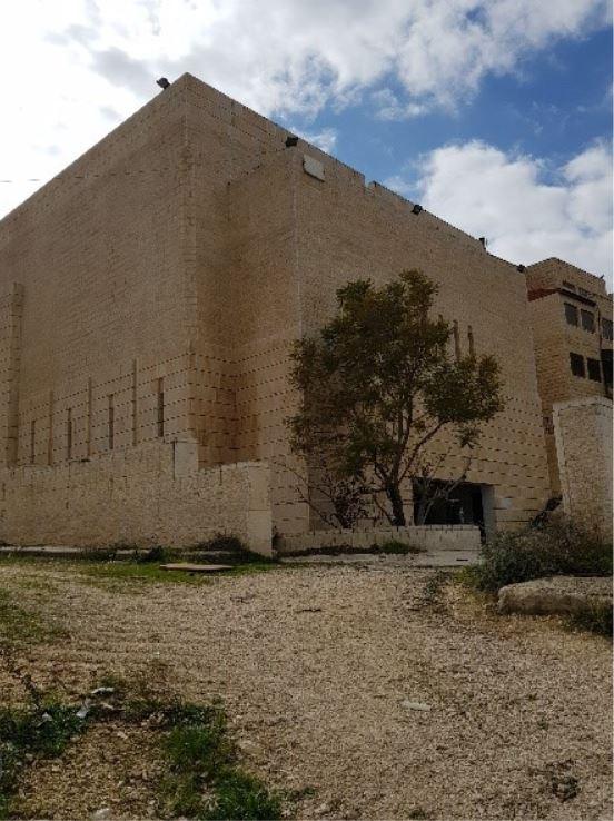 בית הפרלמנט הפלסטיני המוזנח. צילם: פנחס ענברי