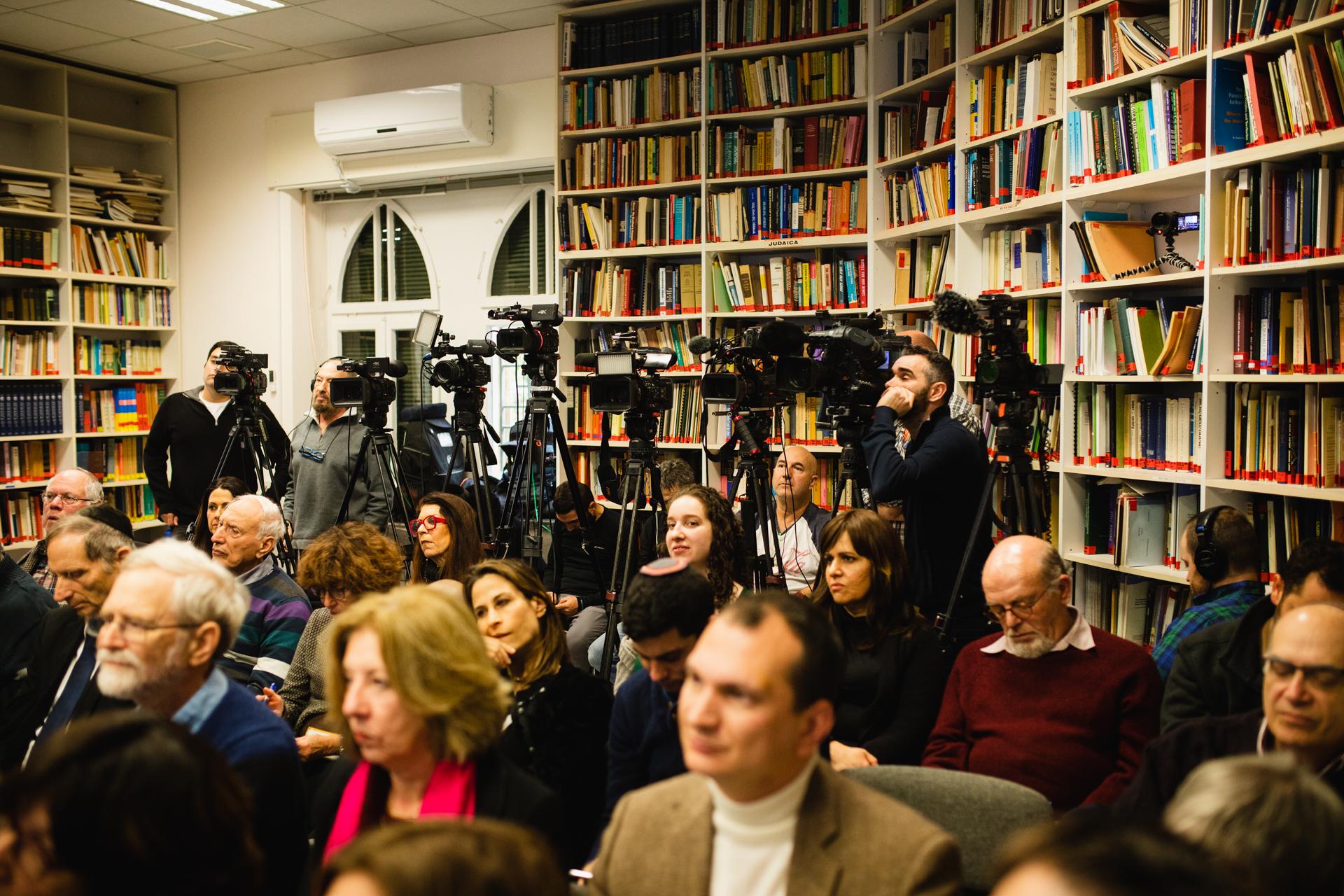 אמצעי תקשורת רבים סיקרו את האירוע במרכז הירושלמי לעניינו ציבור ומדינה // צילום: ראובן בן חיים, המרכז הירושלמי לענייני ציבור ומדינה