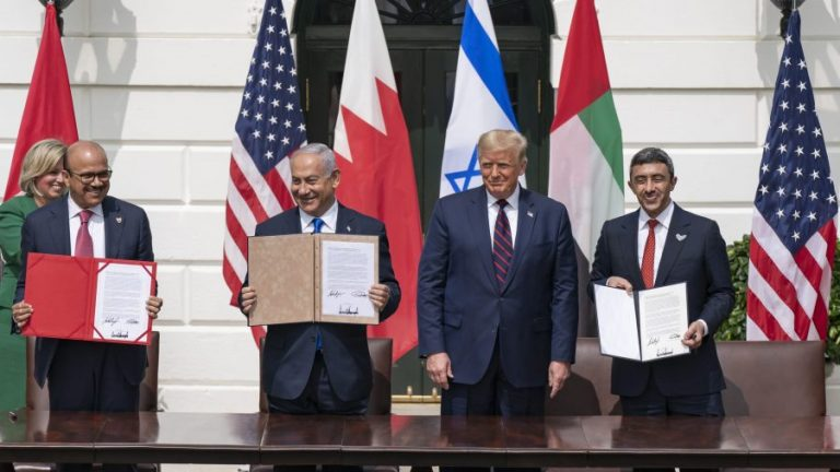 President Donald Trump and Prime Minister Binyamin Netanyahu (center), UAE Minister of Foreign Affairs and International Cooperation Sheikh Abdullah Bin Zayed (far right), and Bahrain Minister of Foreign Affairs Abdullatif Al Zayani (far left) (Official White House Photo by Shealah Craighead)