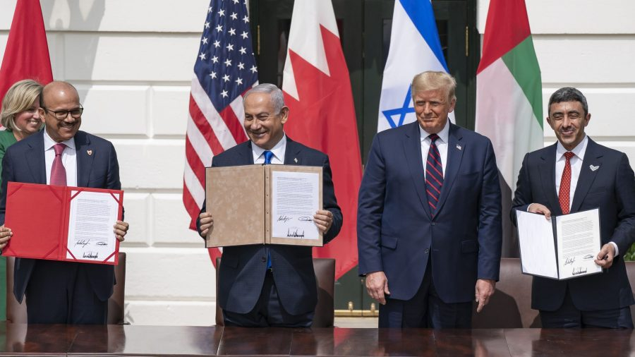 The White House, September 15, 2020. Prime Minister Netanyahu with U.S. President Trump, UAE Minister of Foreign Affairs and International Cooperation Sheikh Abdullah Bin Zayed (far right) and Bahrain Minister of Foreign Affairs Abdullatif Al Zayani (far left). (Official White House Photo by Shealah Craighead)