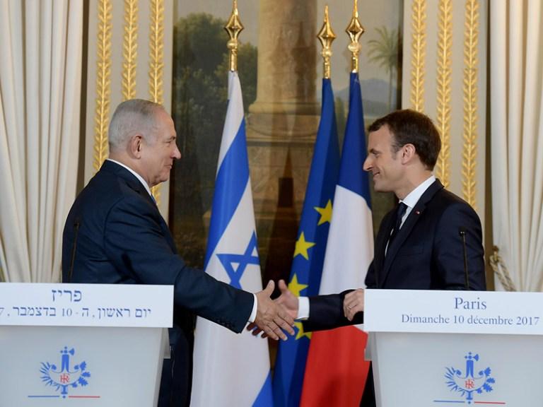"""נשיא צרפת, עמנואל מקרון (מימין) ובנימין נצניהו ראש ממשלת ישראל // קרדיט: לע""""מ"""