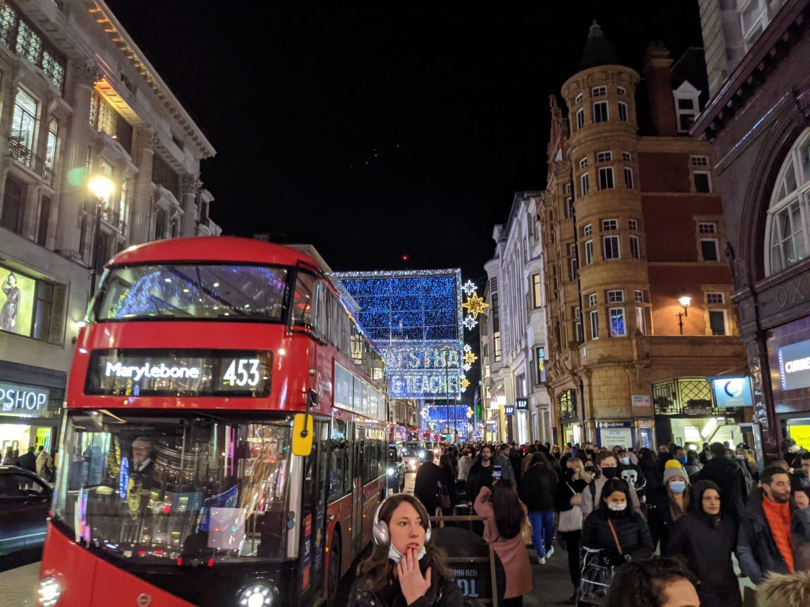 רחוב אוקספורד לפני הסגר הנוכחי בבריטניה // טוויטר