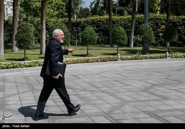 """"""" (ט'ריף : לא התקיימו מגעים עם ארה""""ב; הטילים של איראן אינם עומדים למו""""מ)."""
