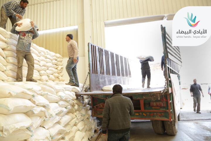 סיוע קמח לסוריה. תמונה משנת 2014 - האם רוסיה תתחיל לאבטח ספינות משא ?